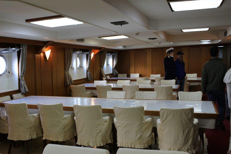 士官食堂兼船室