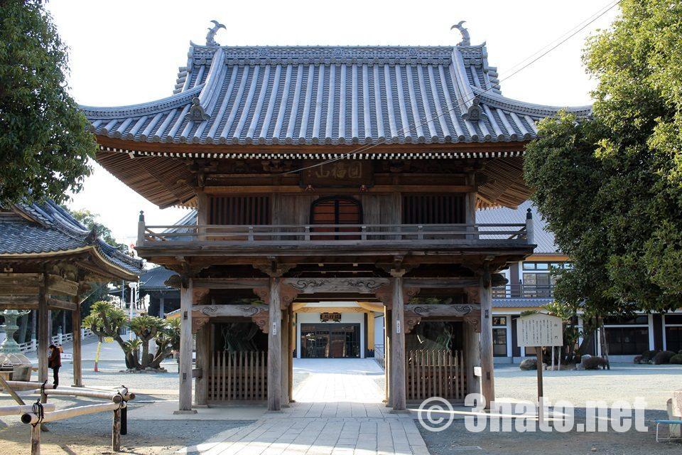 豊川稲荷 現存建造物最古の山門