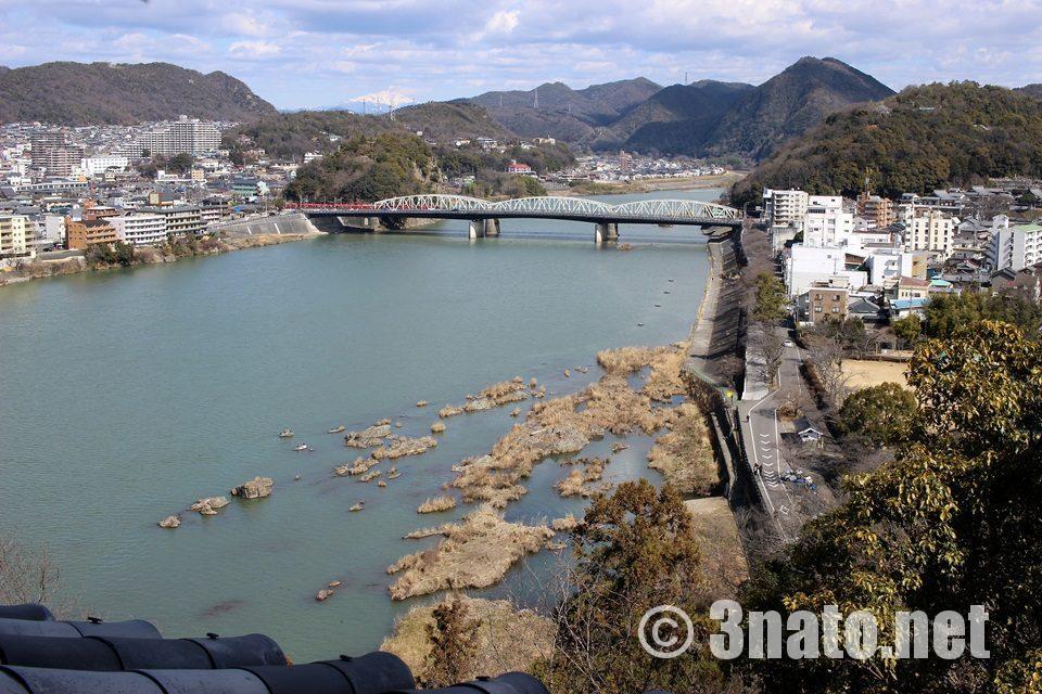 国宝犬山城から望む木曽川